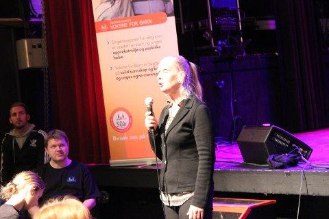 Mia Börjesson coacher ungdommen på Napern.
