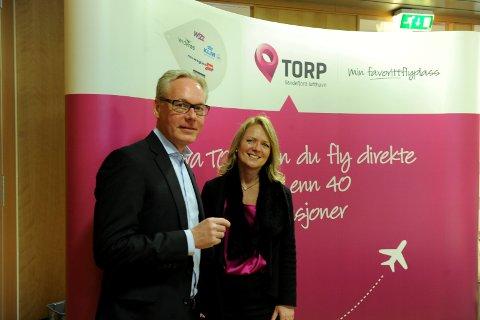 I KARANTENE: Både lufthavnsjef Gisle Skansen og markedssjef Tine Kleive-Mathisen reiste direkte hjem i karantene torsdag, etter at regjeringen kom med nye korona-tiltak. Begge var nylig på jobbreise til Dublin for å legge planer fram til sommeren 2021.  Arkivfoto: Per Langevei