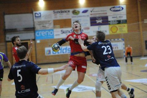 BARE NESTEN: Simen Holand Pettersen og SH vant den første kvalifiseringskampen mot Falk i våres, men fikk det tøft i returoppgjøret i Horten. Dermed ble det 1. divisjonsspill også denne sesongen.