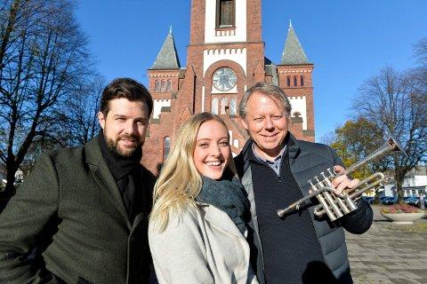 Kommer til jul: Didrik Solli-Tangen (fra venstre) Stine Hole Ulla og Ole Edvard Antonsen, på en snartur innom Sandefjord. De lover å komme tilbake nærmere jul med sin tradisjonelle julekonsert.