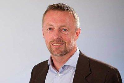 SKEPTISK: Andreas Løes Narum er skeptisk til å skulle løse samlivsproblemer med privatetterforskeren.