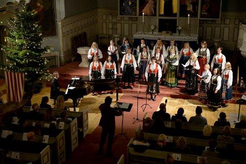 TRADISJON: Sandefjord Vokalensembles julekonserter i Sandefjord kirke er blitt tradisjon. Bildet er fra konserten i 2015.