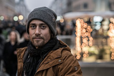 FRA SANDEFJORD: Toke Mathias Riskjær blir å se sju onsdager på DR1 i Danmark. Programmet heter «52 dage som hjemløs».