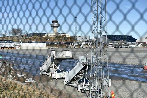 PÅ VEI HIT: Flyet skulle fra Oslo til Sandefjord da pilotene mistet kontrollen.