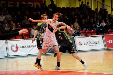 Tøffe tak: Marius Klevstad var én av tre toppscorere fra Runar. Som Thynell og Christiansen banket han inn fem mål.