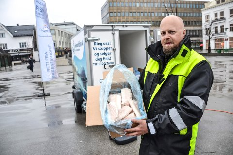 FAST INNSLAG: Annenhver torsdag skal Martin Våge selge fisk fra Finnmark på Torvet i Sandefjord.