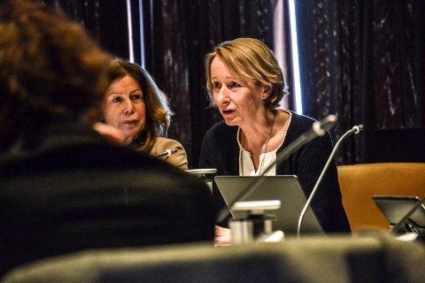 TREKKER SEG: Kommunalsjef Lise Tanum Aulie, her i et møte i formannskapet.
