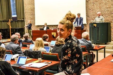 SEKSUELL TRAKASSERING: – Jeg håper vi alle er enige om å gjøre noe med seksuell trakassering, sier Charlotte Jahren Øverbye (SV), som tirsdag kveld utfordrer ordføreren på å få temaet høyere på dagsorden i skolene.