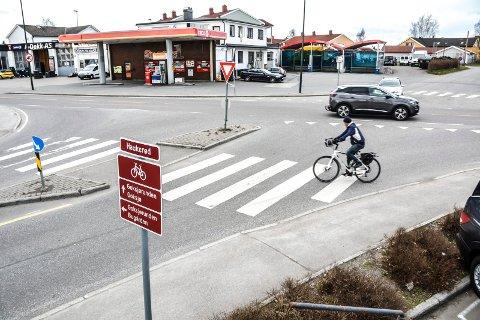 HAUKERØDKRYSSET: Statens vegvesen vil ha lysreguerling i Haukerødkrysset for å bedre forholdene for syklende og gående.