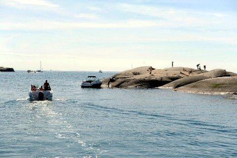 VÆRET SNUR: I dag skinner sola i Sandefjord, i morgen bør du trolig la båten ligge på grunn av vind.