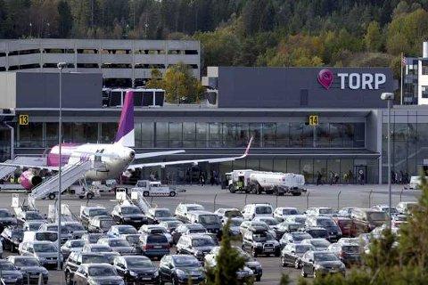 ØKNING: I løpet av de første fem månedene i år har flyplassen hatt 719.604 passasjerer som har reist til og fra Torp. Det er en økning på 34, 2 prosent.