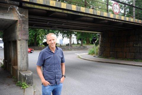 FARLIG KRYSS: Det antas at sykkelfeltet vil passere undergangen ved Sandar Kirke hvert 22. minutt lørdag.