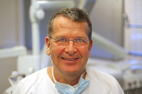 JULESKADER: Tannlege Paul-Arne Hordvik forteller at mange tannskader skyldes maten vi spiser i jula.