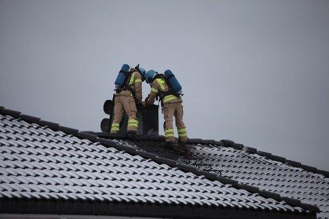 PIPEBRANN: Brannvesenet i Sandefjord rykket ut til Tjodalyng.