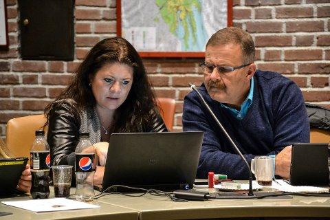 SENTRALE FOR FrP: Catrine Andersen og Harry Gran representerer FrP i miljø- og planutvalget. Andersen er også varaordfører og sitter i fomannskapet.