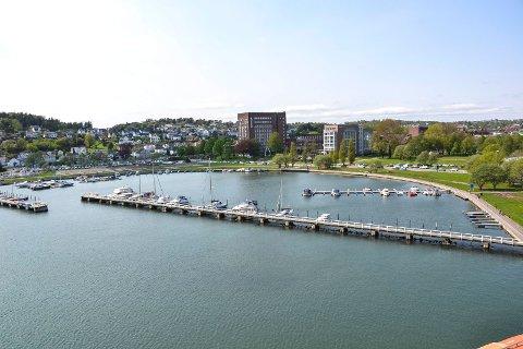 PARK HOTELL: Etter at det nye tilbygget (til høyre) ble åpnet i 2013 har Scandic Park Hotel i Sandefjord nå 350 rom.