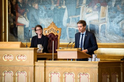 TAR SELVKRITIKK: Samferdselsminister Knut Arild Hareide (KrF) er klar på at Torp burde fått sin krisepakke langt tidligere. Dermed kunne permitteringer på pilotskolene også trolig vært unngått.