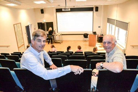 FOLKEMØTE: Leder i eldrerådet, Ragnar Klavenes (t.h.) og ordfører Bjørn Ole Gleditsch (H) inviterer til folkemøte om eldreomsorg. Møtet arrangeres i aulaen ved Sandefjord Medisinske Senter (SMS).