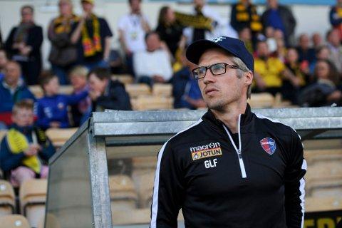 MANGE KNEPNE TAP: Geir Ludvig Fevang var fungerende hovedtrener før Magnus Powell ble ansatt i januar, og fikk samme rolle etter at svensken fikk sparken i april. Under Fevangs ledelse forbedret SF seg spillemessig, men det holdt ikke til poeng.