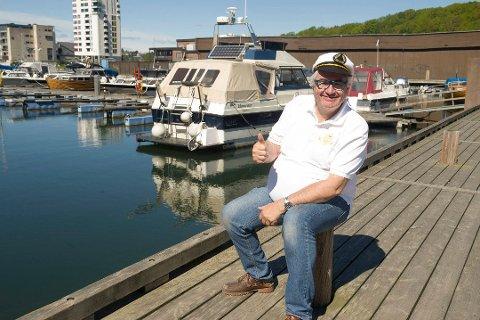 ÉN ER NOK: – Det holder med én båtkortesje i året, sier mangeårig ansvarlig for den tradisjonelle båtkortesjen sanktahansaften, Leif Rune Sundli. bIldet er tatt ved en tidligere anledning.