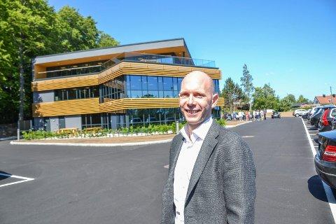 FORNØYD: GN Power har fått nytt kontorbygg ved Raveien på Kullerød. Espen Halvorsen Nipe er eiendomssjef i selskapet.
