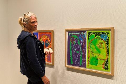 STORT: Daglig leder, Kari Berge i Sandefjord Kunstforening, gleder seg stort til Bjarne Melgaard og Sverre Bjertnæs sin utstilling. – Det er jo helt fantastisk at de takket ja, og at vi har muligheten til å vise fram de mest anerkjente kunstnerne i landet, sier hun.