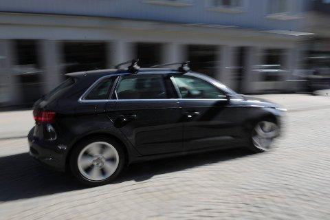 KAN GI RABATT: Uansvarlig kjøring straffer seg hvis du bruker den nye appen. Men kjører du pent, får du rabatt på prisen.