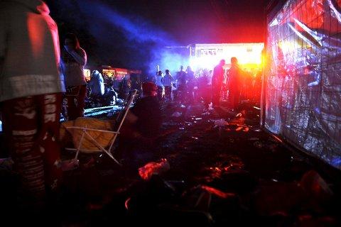 RUSSEN I GANG: Det endte i vold og bråk da to russefester ble arrangert i Larvik i helga. Bildet er hentet fra en tidligere russefeiring og er ikke relatert til helgens russefester.