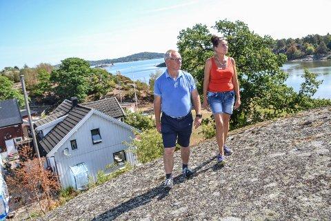 FÅR MEDHOLD: Politikerne, her representert ved planutvalgsleder Tor Steinar Mathiassen (H), vil la Nancy Gustavsen, som driver Sørbyøya Hestesenter i Storøyaveien 50, få rive og bygge nytt våningshus.