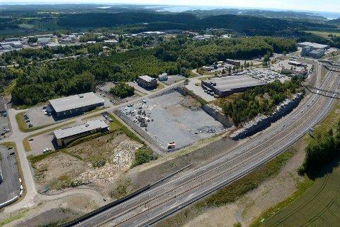 TOMT: På den klargjorte tomta nord for Obs på Fokserød ønsker Coop å etblere byggvarehandel.