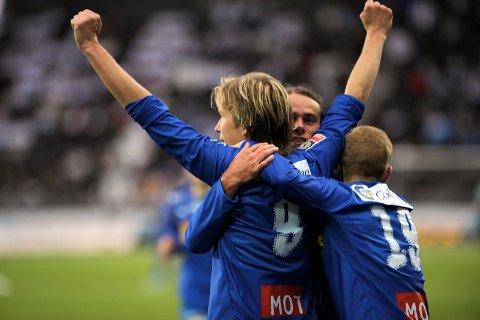 JUBEL: Fredrik Thorsen var egentlig ikke lyste på spill i SF, men valgte allikevel en retur til hjembyen. Det har han ikke angret på. Her jubles det for scoring mot Odd i 2006.