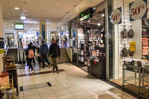 KONKURS: Butikkjeden Enklere Liv har fått nye eiere. Driften fortsetter foreløpig som før. Her er butikken på Hvaltorvet i Sandefjord. Foto: Paal Even Nygaard