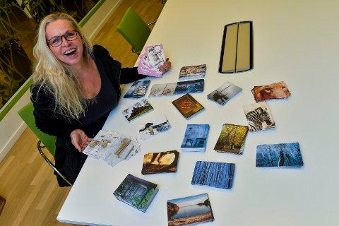 AKTIV: Signe Elise Hultgreen har mange jern i ilden. I tillegg til å være daglig leder av Stokke bygdetun, styreleder i Sandefjord Kunstforening og driver av sitt eget firma, Afronte-Utvikling, har hun nå utviklet et postkortprosjekt for Sandefjord og omegn.