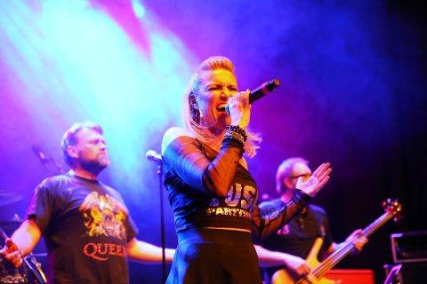 ÅPNET: Vokalist Sandra Huseklepp åpnet fjorårets festival sammen med sitt band, TUSH. I år håper de å gjenta suksessen.