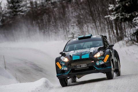 NY SESONG: Oddbjørn Røed og hans kartleser Haakon Sande har kjørt i gang en ny sesong. Duoen sikter mot en ny medalje i rally-NM.