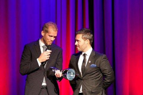 HEDRET: Lars Grorud (t.v.) ble kåret til fjorårets beste spiller på SF Awards i 2019. Her er han sammen med SF-trener Martí Cifuentes.
