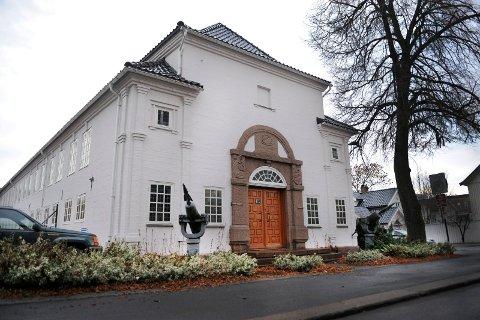 KOMMER HIT: Når NRK kommer til Sandefjord for å lage direktesendt TV, tar de i bruk den gamle delen av Hvalfangstmuseet som studio.