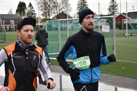 POSITIVE: Anders Kittilsen og Kristoffer Kittilsen Johansson synes bare det er gøy å løpe etter tredje runde.