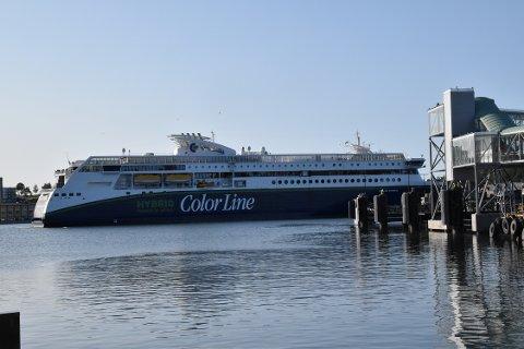 ÅPENT HAV: Mandag må Color Hybrid ut i åpent hav for å teste utstyr.