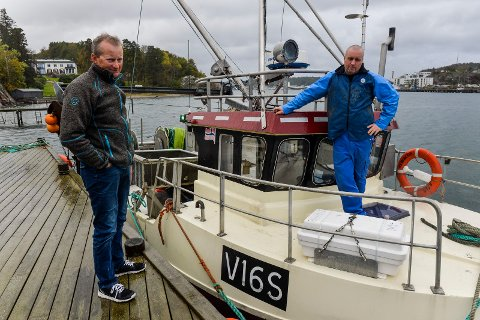 FISKERE: Vilfred Evensen og Reiulf Halvorsen fortviler over planene til dykkerklubbens fredningsforslag og frykter det vil få store negative konsekvenser for dem som driver yrkesfiske i området.