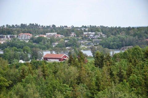 TIL FYLKESMANNEN: Klagerett knyttet til salg av Nedre Skjærsnes gård i Stokke.