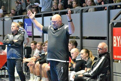TØFFE TIDER: Leif Gautestad og Runar-spillerne må vente noen ekstra dager før vårsesongen kan starte på grunn av koronakrisen.