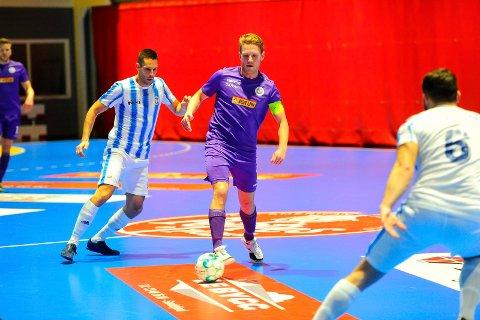 SKAL SAMARBEIDE: Sindre Svadberg og Sandefjord Futsal har inngått et samarbeid med IL Runar.