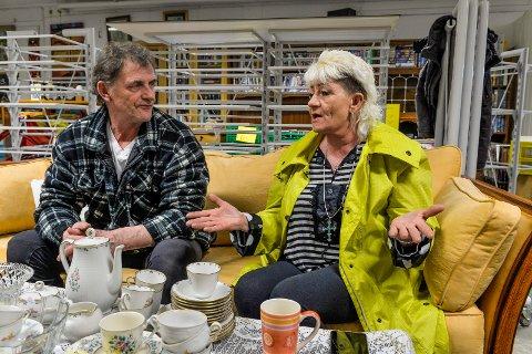 HÅPLØST: John Skarde og Anita Wilhelmsen ønsker seg et rusfritt bomiljø og er helt oppgitt over tilbudene de får av Sandefjord kommune.
