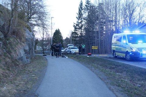 HER SKJEDDE DET: En kvinne døde etter å ha blitt påkjørt i Lahelleveien fredag kveld.