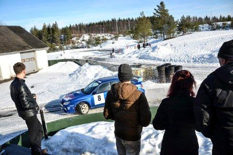 KONFLIKT OM STØY: Rett ved rallybanen på Håsken er det tur- og skiområde. Derfor er idrettslaget imot rallykjøringen. Naboer lenger mot nord-øst protesterer fordi den vanlige vindretningen gjør støyen sjenerende. Nå har rallybanen fått midlertidig dispensasjon i ett år. Arkivfoto: Paal Even Nygaard