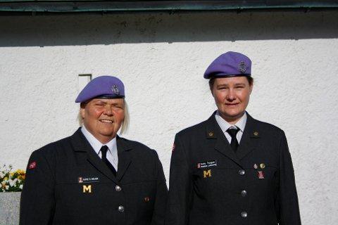Kathe D. Nielsen og Thorgunn Krohn hadde æresvakt under bekransning av bautaene på Ekeberg Gravlund.
