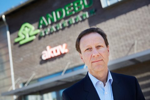 BEST I FYLKET: Banksjef i Andebu Sparebank, Børre Grovan, gleder seg over gode resultater i årets kundeundersøkelse. Pressefoto Andebu Sparebank