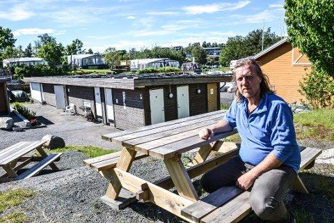 STENGT: Kurt Nilsen, som driver Granholmen camping og de andre campingbestyrerne i Sandefjord håper at campingsesongen kan gå som planlagt, selv om det ser ganske mørk ut for øyeblikket.