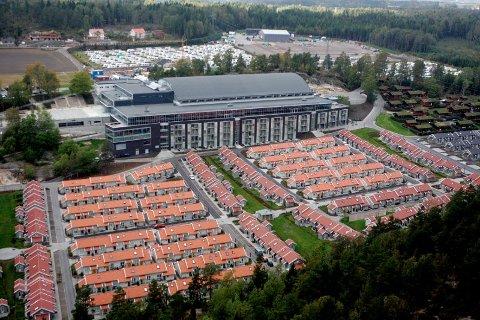 Brunstad Christian Churchs konferansesenter på Stokke er allerede massivt. Kronerullingen kalt Aksjon 2020 blant de frivillige i menigheten skal gjøre enda større. Dette bildet ble tatt i 2005. Foto: Cornelius Poppe (NTB scanpix)